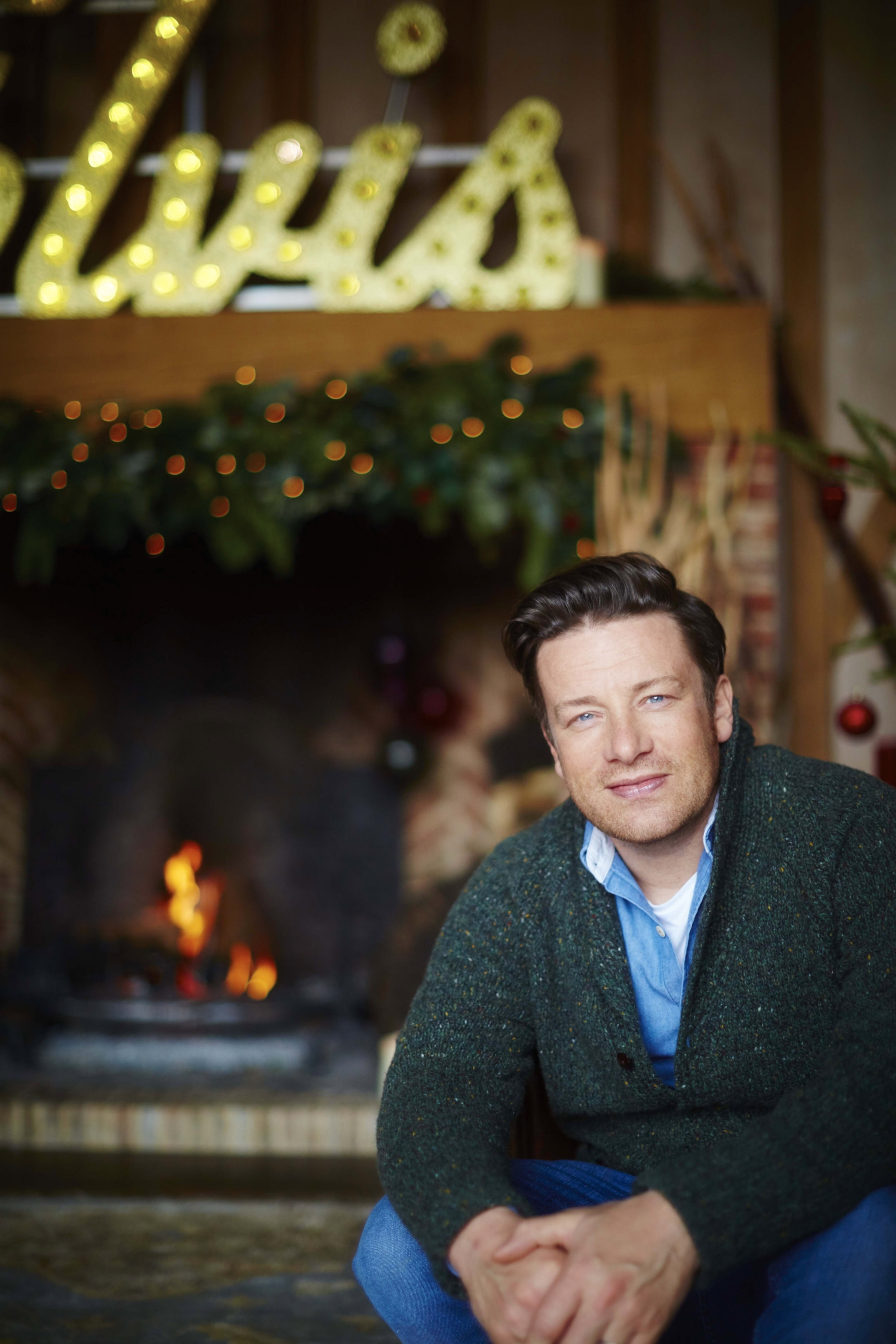 Jamie Oliver's Christmas Cookbook by Jamie Oliver, ISBN: 9780718183653