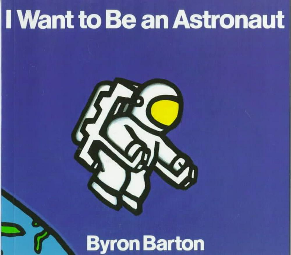 so you want to be an astronaut According to nasa's 2009 astronaut fact book (np-2013-04-003-jsc), there have been 44,658 individuals that have applied to become an astronaut of that pool, only 330 individuals have been accepted into the astronaut candidate program (48 females and 282 men), and over 200 served in the united states armed forces.